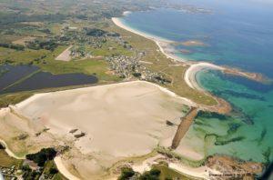 Erosion marine vue du ciel à Guissény en Bretagne