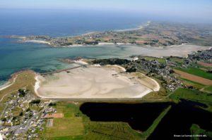 Erosion des sols sur les littoraux à Guissény en Bretagne