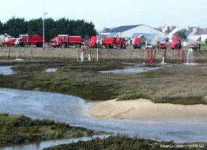 Camion de pompier rouge gestion des risques et organisation des secours