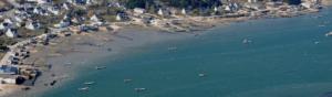 village sur la cote bretonne avec des bateaux exemple de plounevez les flots ville fictive