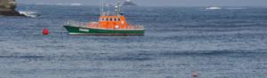 bateau de sécurité sur les côtes bretonnes pour la prévention des risques cotiers
