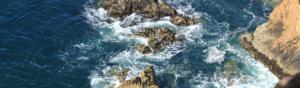 photographie des falaises et des rochers de granit en bretagne