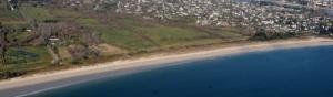 photographie aérienne paysage plage bretonne et ville